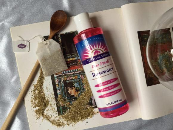 DIY: Cách làm xịt khoáng chống lão hóa từ trà hoa cúc