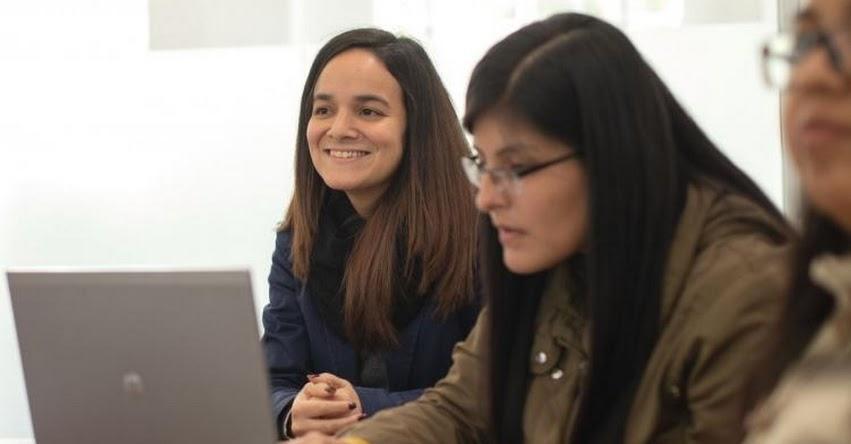 Universitarios y recién egresados podrán postular al curso de Negociaciones Comerciales
