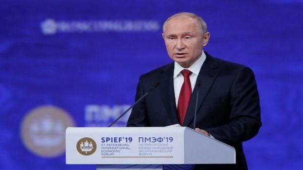 Presidente Putin alerta que EE.UU. fractura la economía global