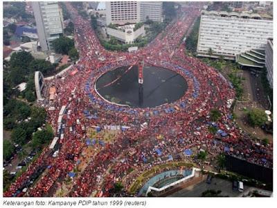 Sepi Peserta 'Parade Bhinneka Tunggal Ika', Pendukung Ahok Gunakan Foto Kampanye PDIP 1999 Untuk Kelabui