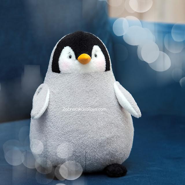 Игрушка пингвин из флиса, сшитая самостоятельно по выкройке в натуральную величину, автор идеи Затинацкая Наталья