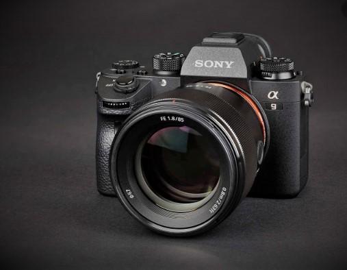 "<img src=""kamera.png"" alt =""kamera sony a9 mark ii "">"