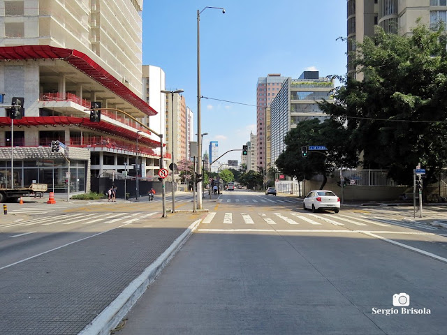 Vista de trecho da Avenida 9 de Julho nos Jardins - São Paulo