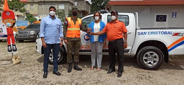 PRESIDENCIA DE LA REPÚBLICA ENTREGA CAMIONETA Y EQUIPOS DE RESCATE A LA DEFENSA CIVIL DE SAN CRISTÓBAL