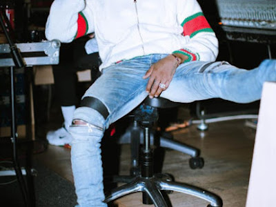 """You all dance to my shit"" – Wizkid reveals he writes his songs in the bathroom"