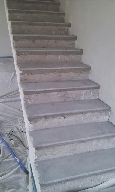 ma maison bioclimatique escalier en b ton cir. Black Bedroom Furniture Sets. Home Design Ideas