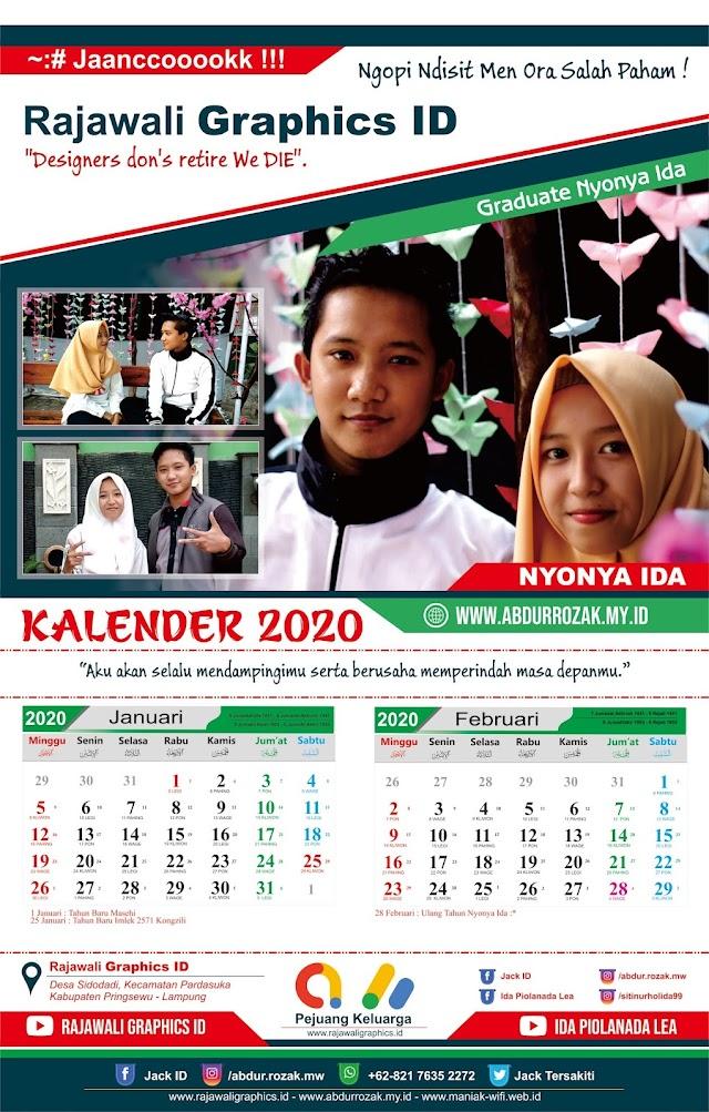 Desain Kalender Romantis untuk Pacar Tercinta