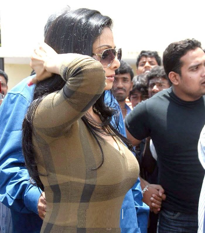 Sridevi Hot Cleavage Exposes Photos-6146