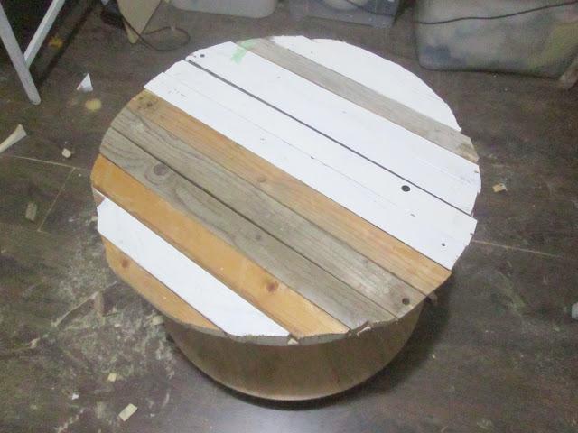 IMG 0141 - שולחן קפה מסליל חוטי חשמל