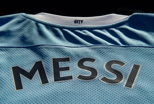 صور مسربة لقميص ميسي مع مانشستر سيتي