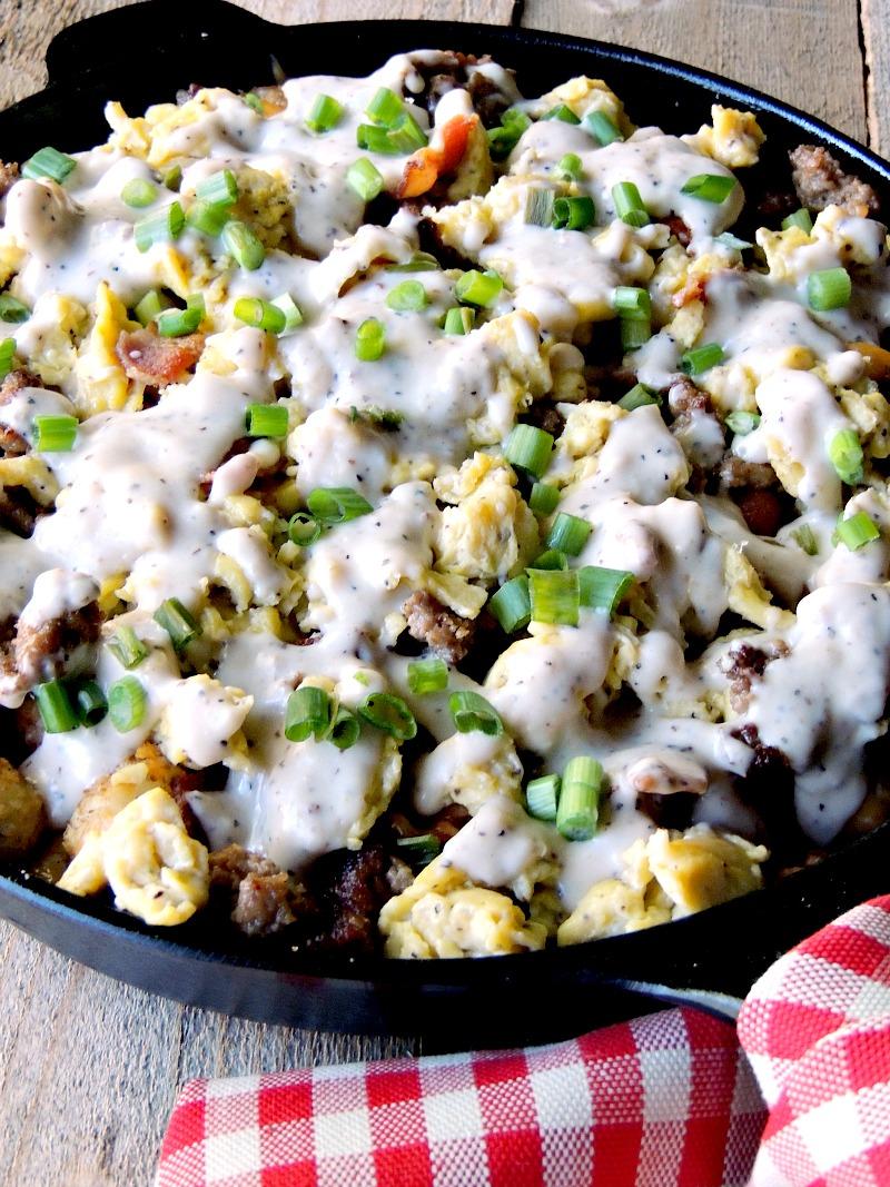 Loaded Breakfast Totchos from www.bobbiskozykitchen.com