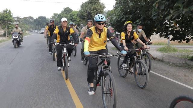 Sinergi TNI/Polri, Kapolres Batu Bara Olahraga Bersama Batalyon 126/KC