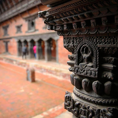 Detalle de artesanía Newari en Katmandú