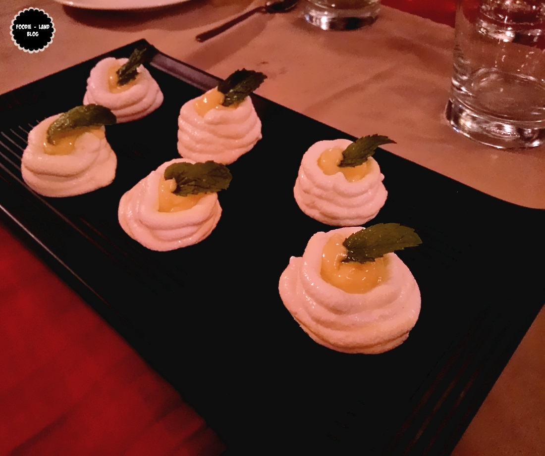Meringue nest with lemon curd @ Hunan | Koramangala | Bangalore