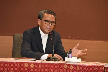Gubernur Nurdin, Minta Petugas Tes Swab  Pagi Keluar Di Waktu Sore