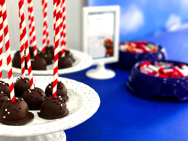 Paw Patrol Party, candy buffet cake-pops