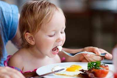فوائد البيض للاطفال وللرضع