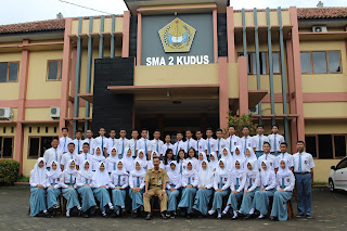 Pengurus OSIS SMA Negeri 2 Kudus Tahun Ajaran 2016/2017