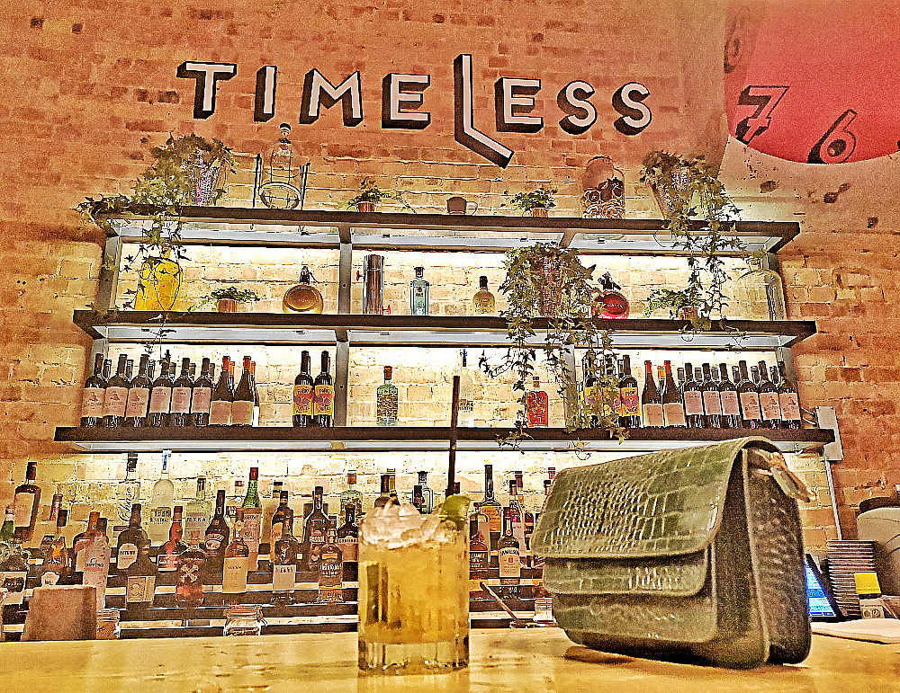 Timeless bar & kitchen