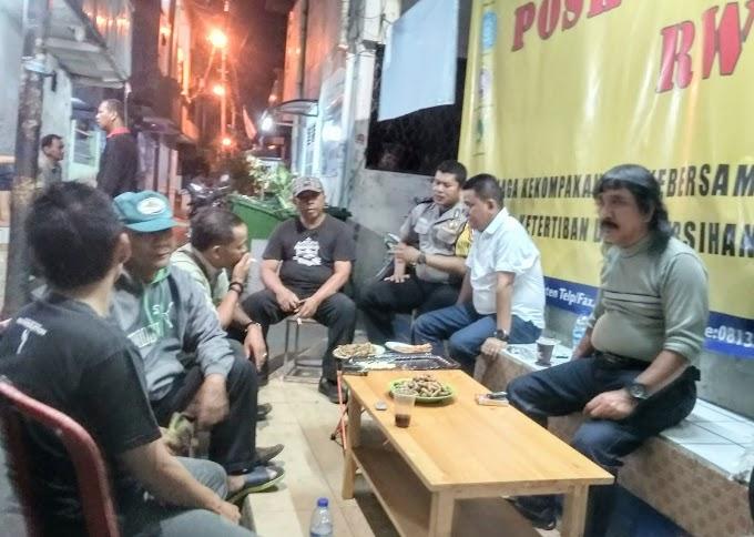 Binmas Aiptu Cecep Supriyadi Bersama Citra Bhayangkara Sambang Wilayah RW 07 Kelurahan Angke