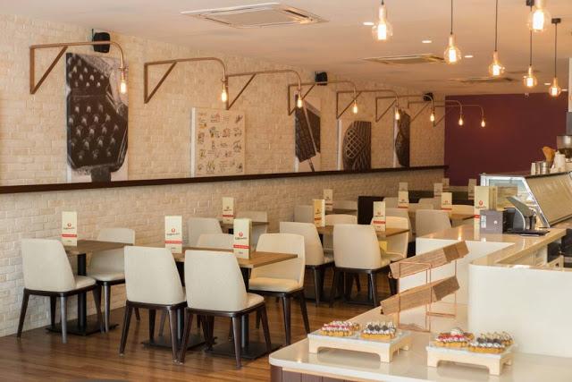 Ruang dalam Restoran Wafflemeister