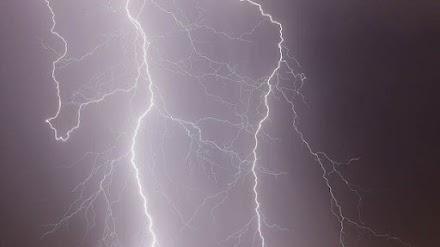 Τραγικός θάνατος 55χρονου στην Καβάλα – Χτυπήθηκε από κεραυνό