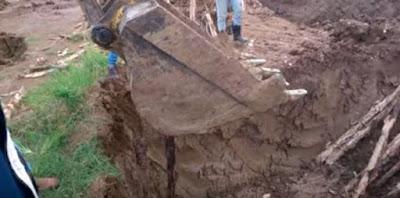 pemancangan cerucuk dengan excavator