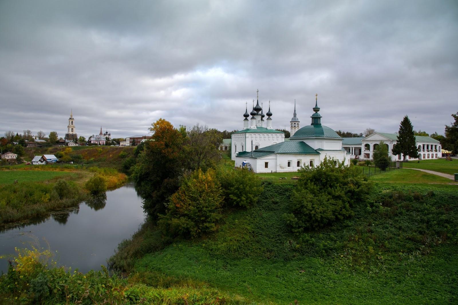 Фотографии Суздаля во Владимирской области. Осень