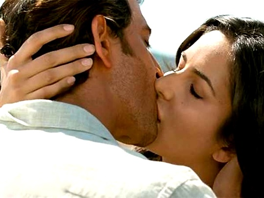 Bang Bang katrina hot kiss