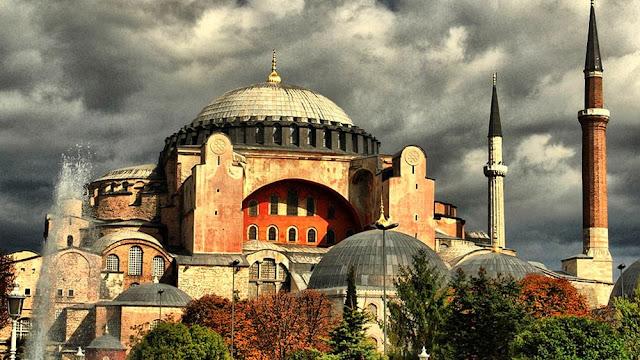 Το κόμμα του Ερντογάν καταψήφισε την μετατροπή της Αγίας Σοφίας σε τζαμί