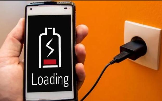 9 Cara Mengatasi Baterai HP Lama Terisi (Penuh)