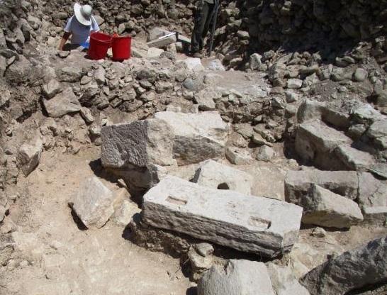 Κύπρος: Αρχαιολόγοι βρήκαν την αρχαιότερη, ενδεχομένως, φιάλη γυαλιού στον κόσμο