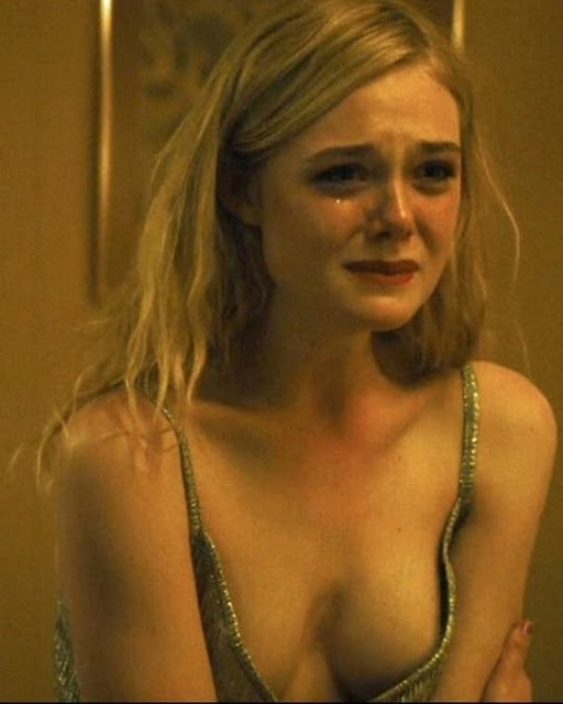Actress Elle Fanning Cleavage and Navel Actress Trend