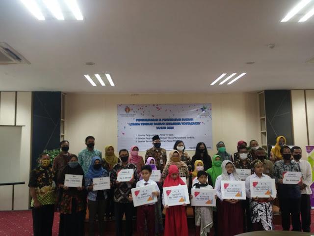 Hadiah Diserahkan, Ini Dia Para Pemenang Lomba Perpustakaan DesaKelurahan Tingkat Daerah Istimewa Yogyakarta 2020