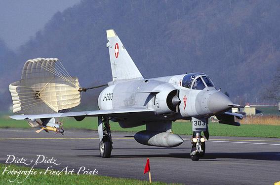 Mirage IIIS J-2303 mit Bremsschirm