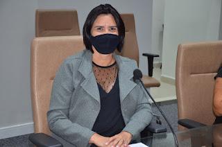 Vereadora Jussara Maria desmente boatos em redes sociais em que ela estaria tentando agradar a imprensa esquecendo os garis