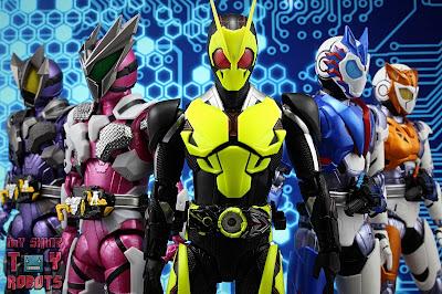 S.H. Figuarts Kamen Rider Jin Flying Falcon 43