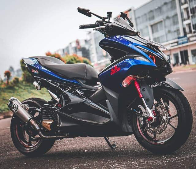 Modifikasi AEROX 155 VVA Racing Look Warna Biru