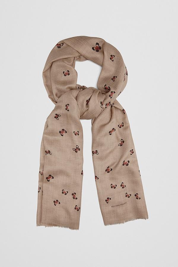 Queen Rani paired Stella McCartney dress with Bottega Venta Sand pink scarf.