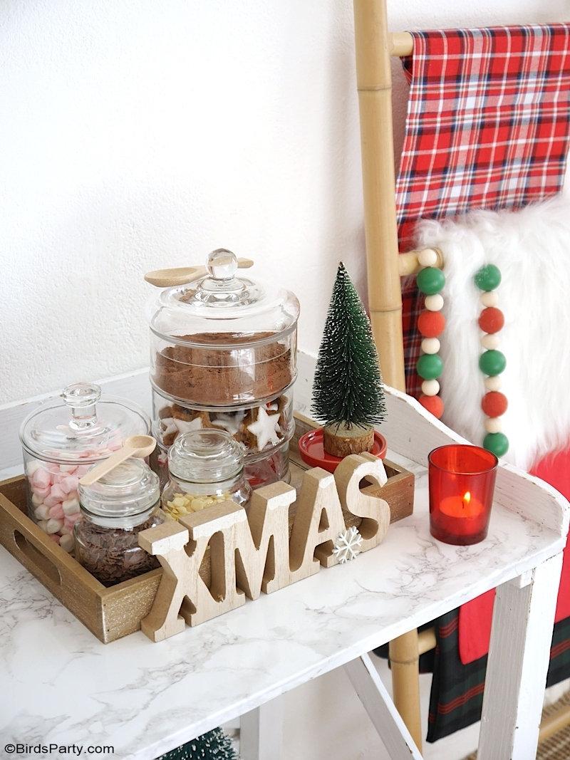DIY Bar à Chocolat Chaud pour Noël  - décor, garnitures et idées simples pour aménager un comptoir de boissons chaudes à la maison! by BirdsParty.com @birdsparty #chocolatchaud #barchocolatechaud #noel #decornoel #decorationnoel #aperonoel #brunchnoel #noelvintage