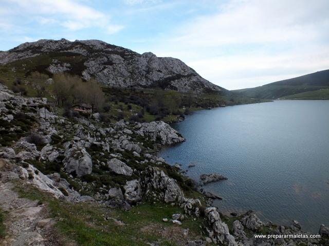 excursión y senderismo por Covadonga Asturias