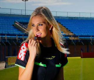 Wanita Dan Sepakbola