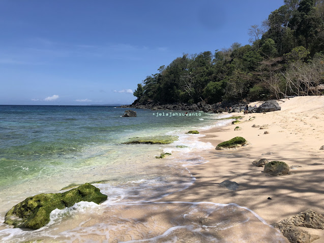 Tebing Pantai Pal Marinsow, Likupang Timur  | ©jelajahsuwanto