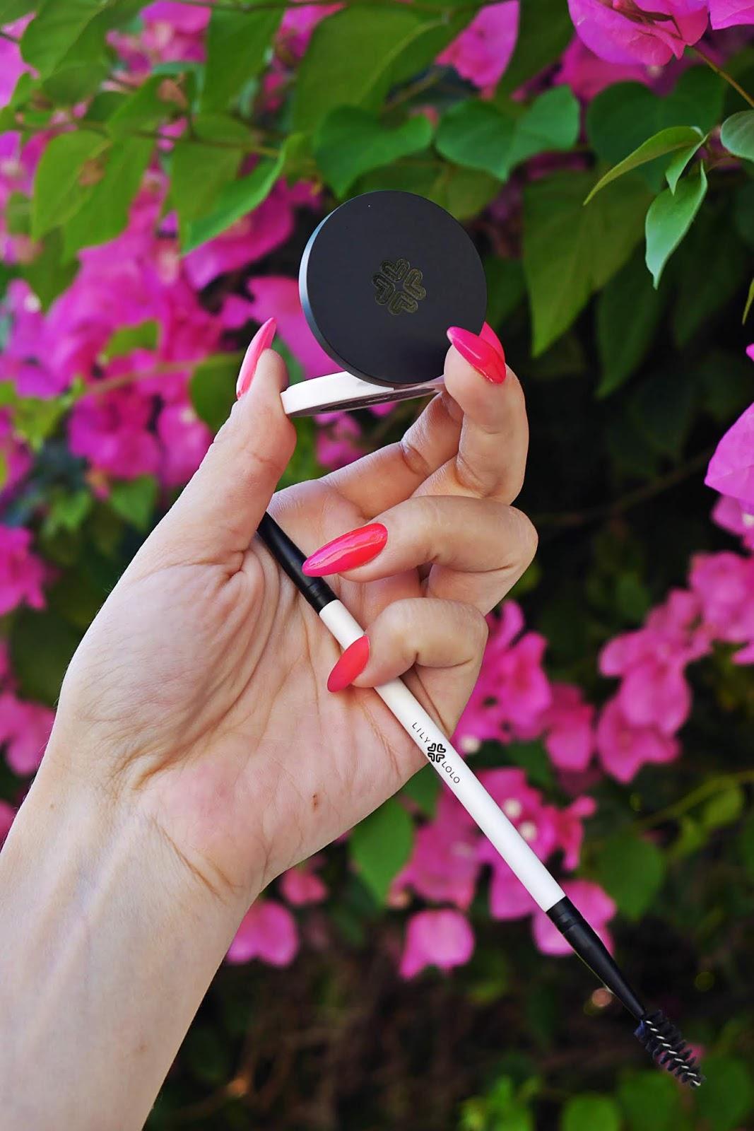 lily lolo zestaw do stylizacji brwi wosk cień pędzelek do brwi karyn blog modowy blogerka modowa rodos test