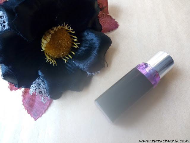 Maybelline ColorShow Lipstick (410 Wine Divine) Application