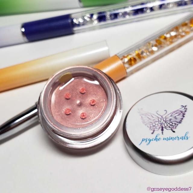Psyche Minerals Under The Umbrella Loose Eyeshadow