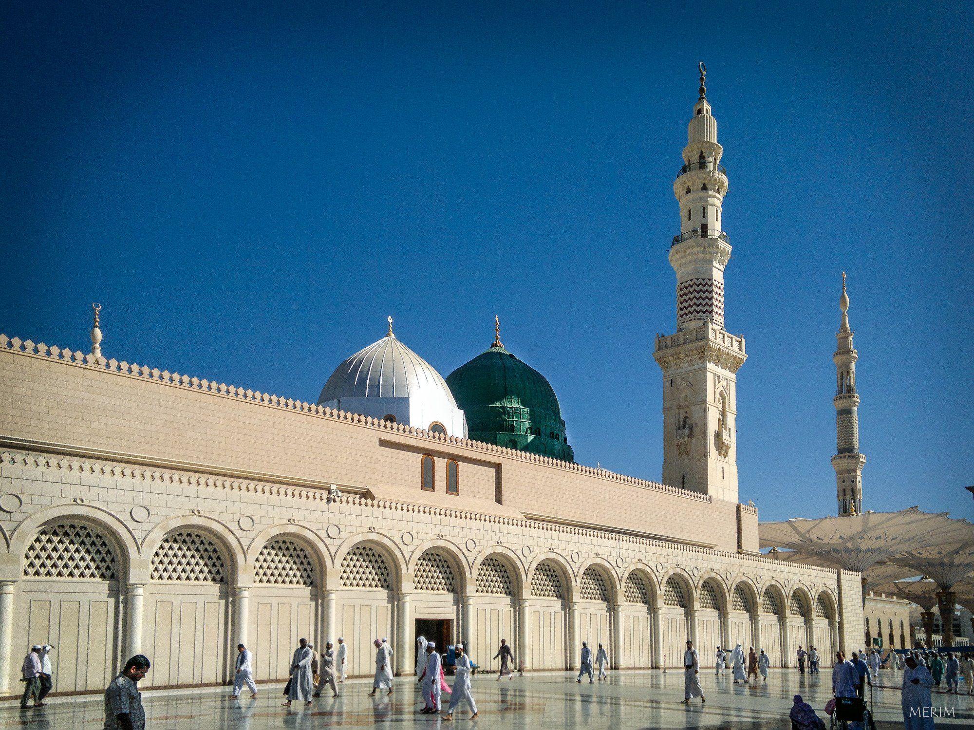 Umat Islam Diizinkan Sholat di Atap Masjid Nabawi