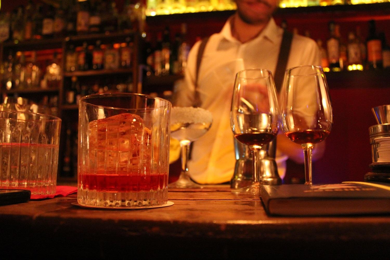 Ξάνθη: Πρόστιμο 8.000 ευρώ σε καφετέρια για υπέρβαση ωραρίου