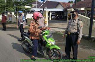 Operasi Yustisi Sasar Pengguna Jalan, Polsek Ligung Terus Lakukan Upaya Untuk Mengedukasi Pentingnya Masker
