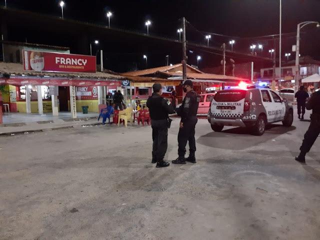 Mulher baleada durante atentado na Zona Norte de Natal morre no hospital; criança atingida passa bem